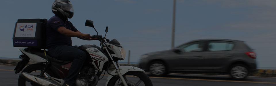 Entrega rápida RJ de motoboy e carro